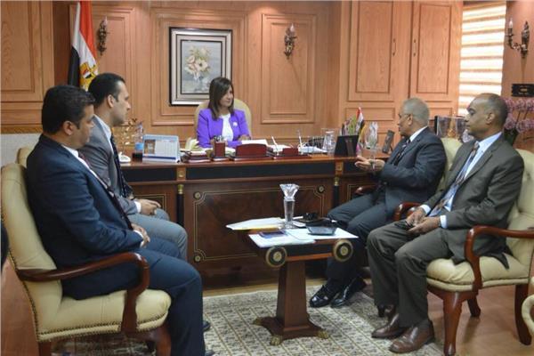 """مكرم تستقبل ممثلين الوزارات المشاركة في مؤتمر """"مصر تستطيع بأبناء النيل"""""""