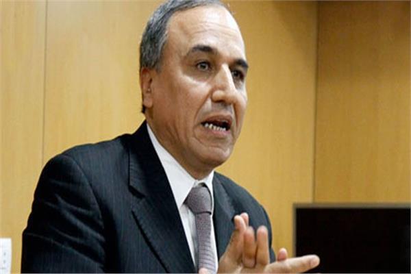 «الصحفيين» عن مثول مكرم محمد أمام نيابة أمن الدولة: «سنسانده»