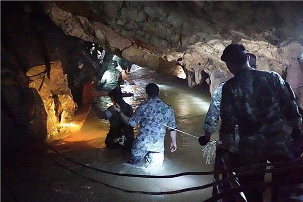 صورة من عمليات الإنقاذ