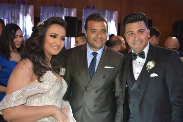 رامي صبري مع العروسين