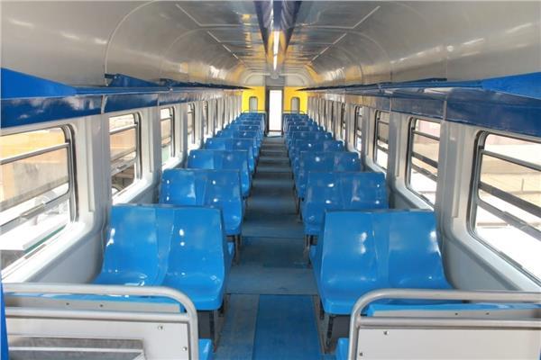 عربة قطار من تصنيع مصنع سيماف