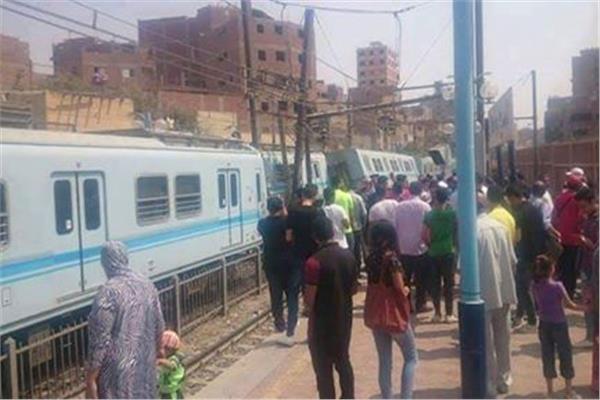 صور| خروج عربتى مترو عن القضبان بمحطة المرج دون وقوع أصابات