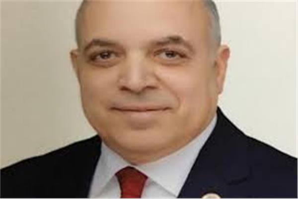 تجديد حبس رئيس مصلحة الجمارك واثنين آخرين 15 يومًا بقضية رشوة