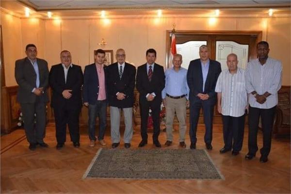وزير الرياضة يلتقي أعضاء الجمعية المصرية لرعاية اللاعبين القدامى