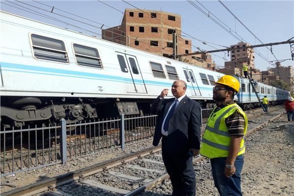 رئيس المترو يتفقد موقع الحادث