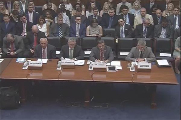 الأربعة شهود السياسيين الحاضرين في جلسة الإخوان المسلمين بالكونجرس - صورة من جلسة الاستماع