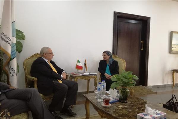 لقاء وزيرة البيئة مع السفير الايطالى