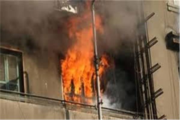 إنقاذ مسنة بالإسكندرية حاصرتها النيران داخل إحدى الشقق