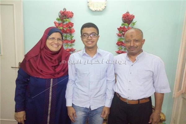 الطالب أحمد شعبان وأسرته
