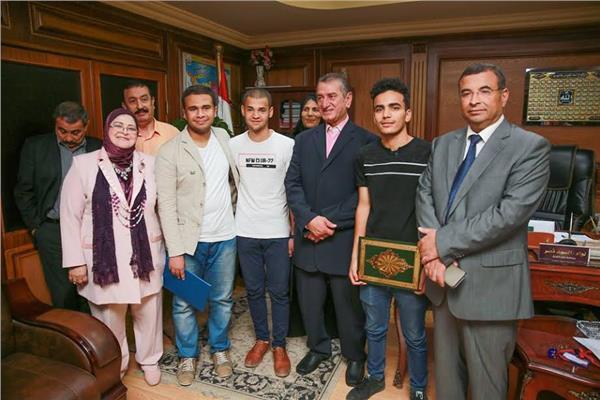 محافظ كفر الشيخ يكرم أوائل الثانوية العامة