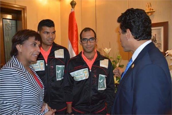 وزير الرياضة يلتقي بلاعبي الاتحاد المصري للإعاقة الذهنية للتنس الارضي