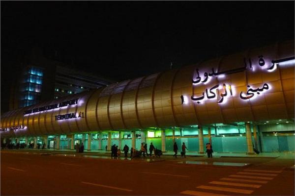 مصدر بمطار القاهرة: تعليق بعض الرحلات كـ«إجراء تأميني»