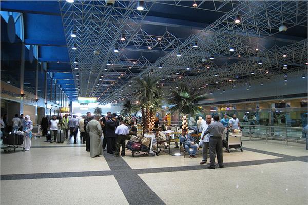استمرار حركة الملاحة بمطار القاهرة