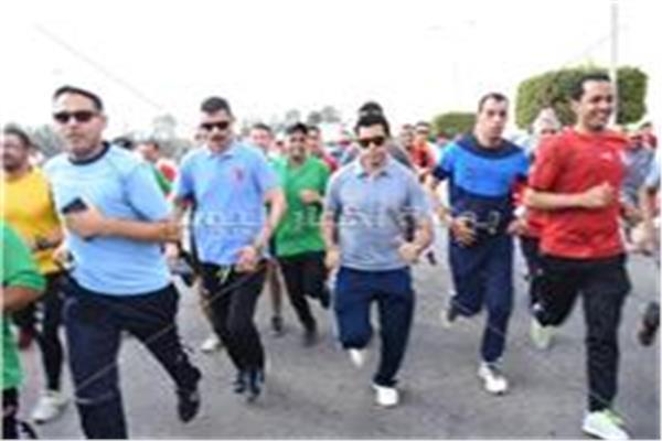 وزير الشباب والرياضة خلال ماراثون الجري