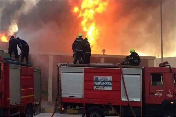 السيطرة على حريق - ارشيفية