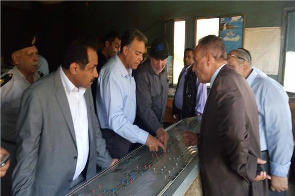 وزير النقل يتفقد محطة المرازيق بعد الحادث