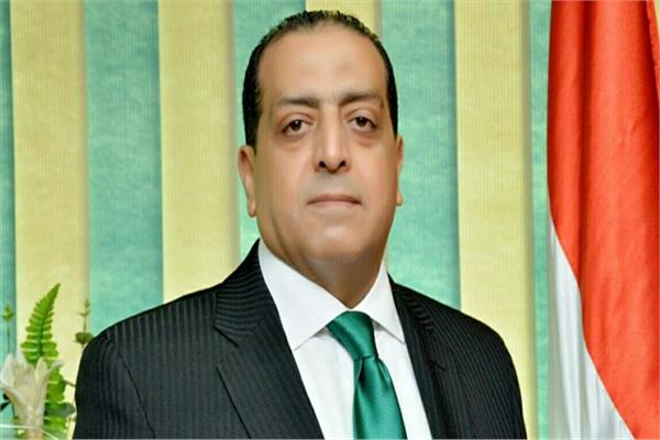 عماد سامي رئيس مصلحة الضرائب