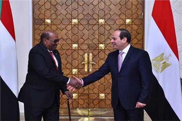 الصحف السودانية تكشف الملفات التي سيناقشها السيسي والبشير