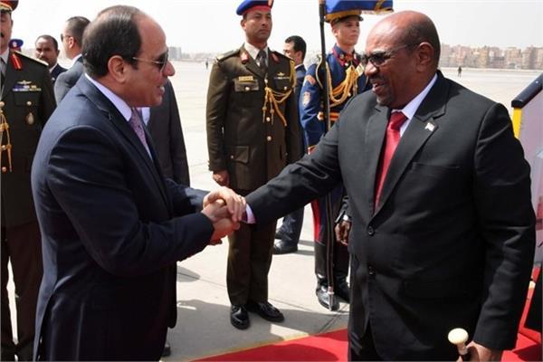 الرئيس عبد الفتاح السيسي والرئيس السوداني عمر البشير