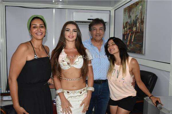 جوهرة ووفاء عامر خلال الحفل