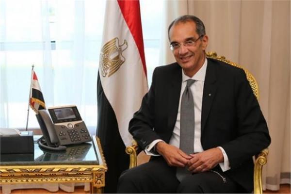 وزير الاتصالات الدكتور عمرو طلعت