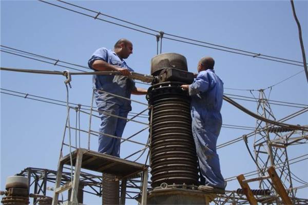 الربط الكهربائي مع قبرص واليونان يتقدم طاولة اجتماعات الوزارة