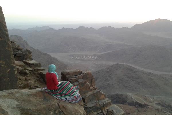 الرحالة المصرية ريهام في إحدى مغامراتها