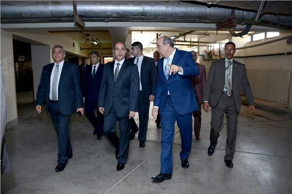 الفريق يونس المصري يتفقد مبنى سلطة الطيران المدني - أرشيفية