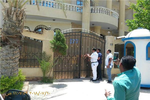 غلق الوحدات المخالفة ورفع العدادات وإزالة المخالفات بالقاهرة الجديدة