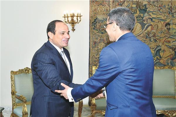 الرئيس السيسي وياسر رزق - أرشيفية