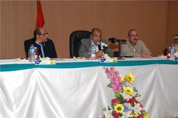 د. عز الدين أبوستيت وزير الزراعة واستصلاح الأراضي