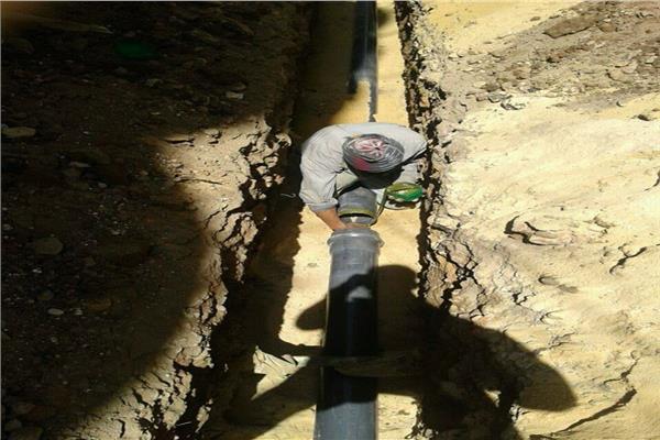 """""""الإسكان"""": استكمال أعمال الإحلال لمحطات وشبكات مياه الشرب والصرف بأسيوط"""