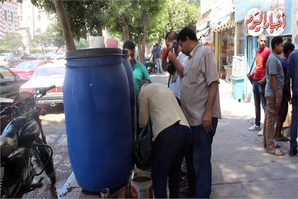 اقبال المواطنين على شرب العصائر