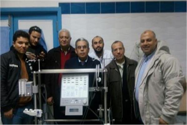 أطباء قسم جراحة القلب والصدر مع رئيس القسم د.فرج إبراهيم