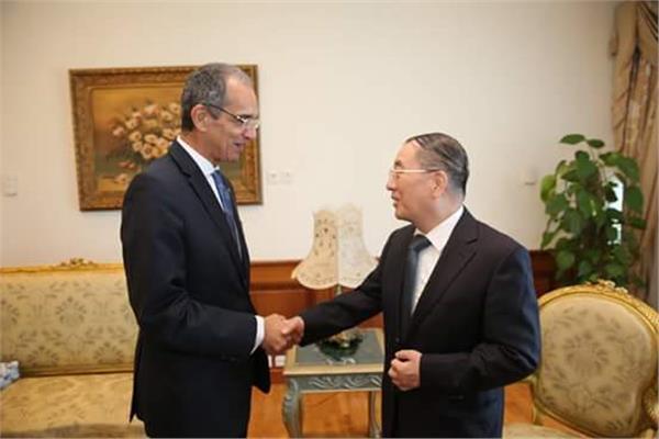 وزير الاتصالات والسفير الصيني