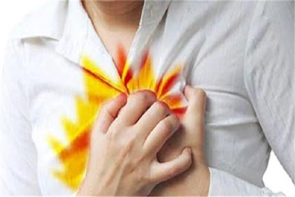 لمريض ارتجاع المرئ.. تعرف على مضاعفات المرض
