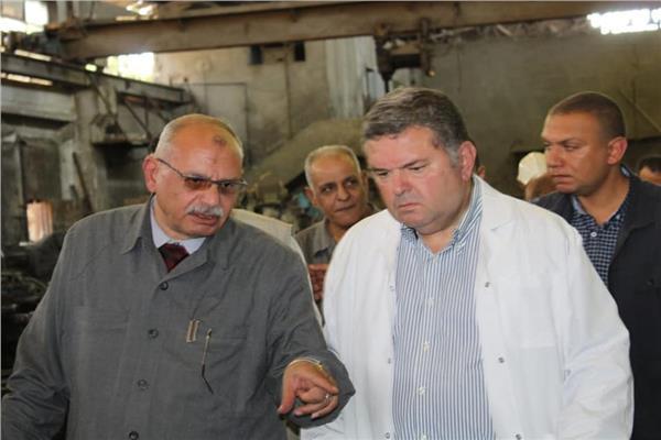 وزير قطاع الأعمال العام يزور مصانع شركة الدلتا للصلب