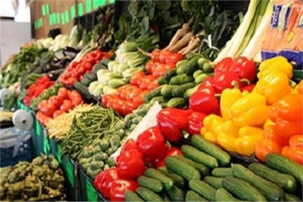 «أسعار الخضروات» بسوق العبور خلال وقفة عرفات