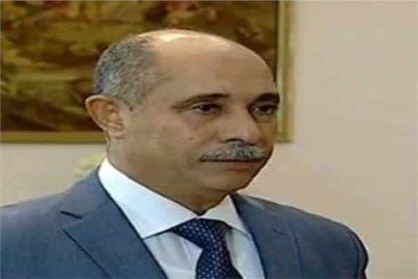الفريق يونس المصرى وزير الطيران المدني