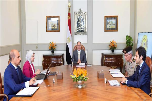 اجتماع الرئيس السيسي بوزيرة الصحة ومدير مجمع الجلاء الطبي للقوات المسلحة
