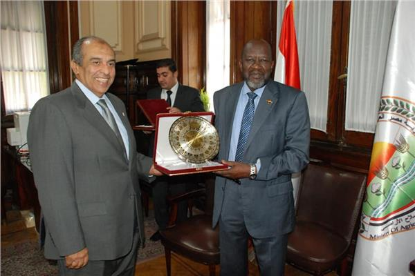 «أبوستيت»يبحث مع نظيره السوداني سبل تكثيف التعاون المشترك