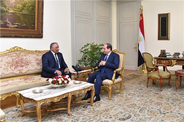 الرئيس السيسي يستقبل اللواء شريف سيف الدين