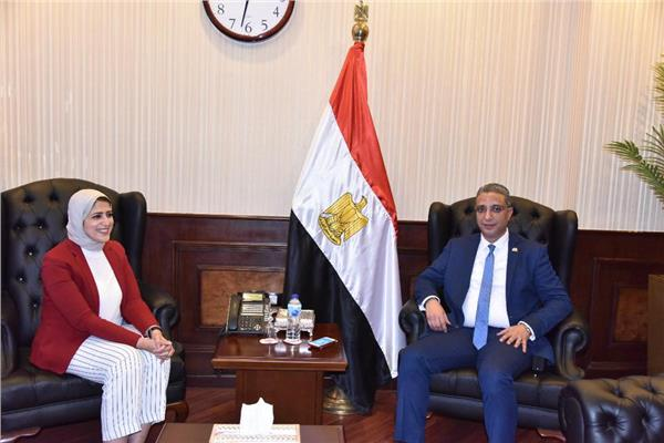 وزيرة الصحة خلال استقبالها أحمد الأنصاري