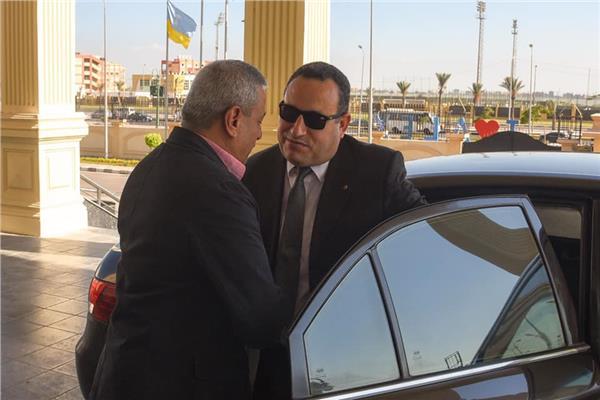 محافظ الإسكندرية يصل ديوان المحافظة لتسلم مهام منصبه