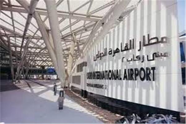 جمارك المطار تتلقى خطاب «المالية» بتثبيت سعر الدولار عند 16 جنيها
