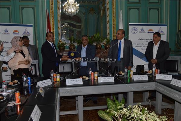 """بروتوكول تعاون مشترك بين جامعة عين شمس و شركة """"انليميتيد بريس"""""""