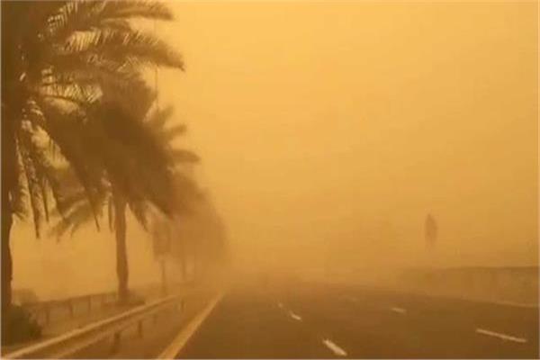 غلق طريق أبو سمبل - أسوان بسبب عاصفة ترابية