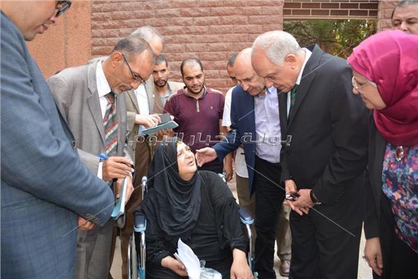محافظ الجيزة يتفقد 13 قسما بمستشفى أم المصريين العام
