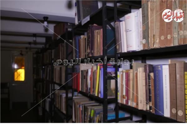 جانب من المكتبة الإسلامية بدير الدومنيكان