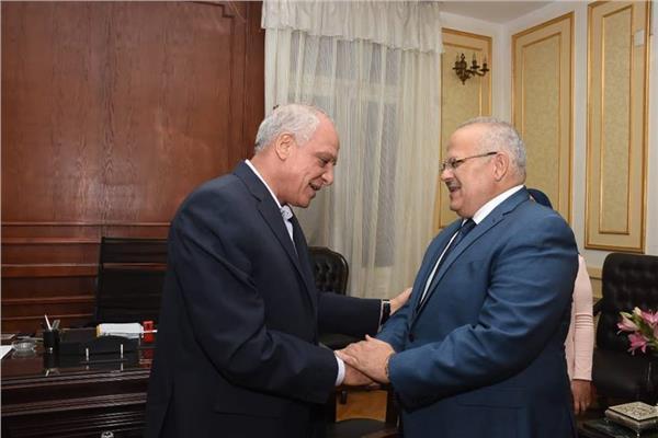 رئيس جامعة القاهرة  - محافظ الجيزة